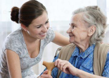 Как выбрать достойный пансионат для пожилых людей?